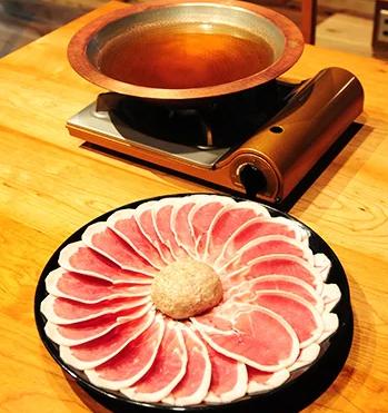 【厳選】 福知山名物 鴨すき 【鴨肉と 鴨団子セット】 寄付金額11,000円 イメージ