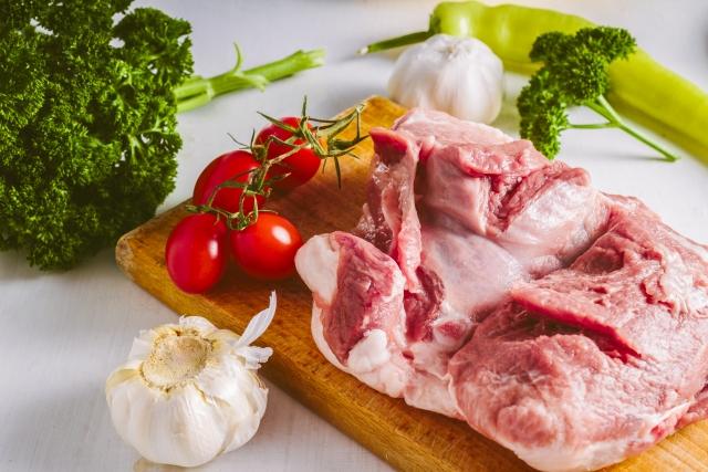 上川町産「渓谷・味豚」豚肉セット(ロース・肩ロース・バラ肉 増量1.5㎏入)寄付金額13,000円