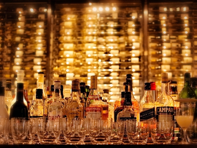 福島県郡山市 【笹の川酒造】 チェリーウィスキー 1800ml(お徳用サイズ イメージ