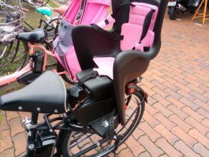 自転車用ヘッドレスト付きコンフォートリヤチャイルドシート ブラック・こげ茶